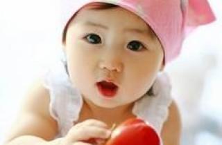 一歲左右的寶寶如何引導用閱讀開發智力?