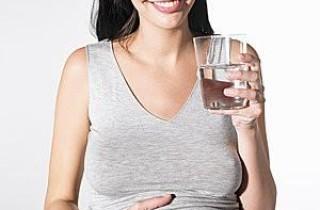 孕婦養生補水 一天喝水時間表